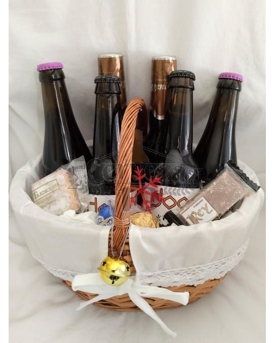 Cesta de Cervezas con asa artesanales y de importación Navidad