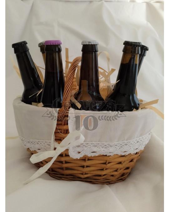 Cesta de Cervezas con asa artesanales y de importación